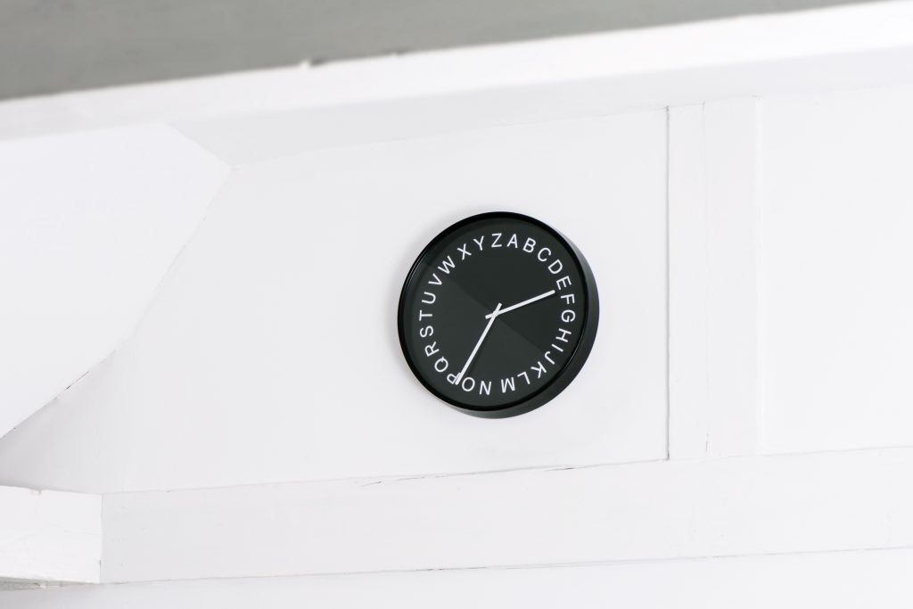 Studio Bas Koopmans - Nice Type of Clock